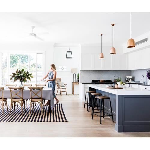 Serial renovators triumph with New England-inspired home Cocinas - remodelacion de cocinas
