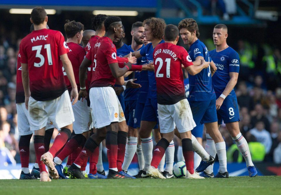 Chelsea 2 2 Manchester United Ross Barkley Scores Last Minute Equaliser To Maintain Blues Unbeaten Start Manchester United Manchester Chelsea