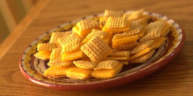 Cute 150-calorie 'cracker' sandwiches  (gluten free)