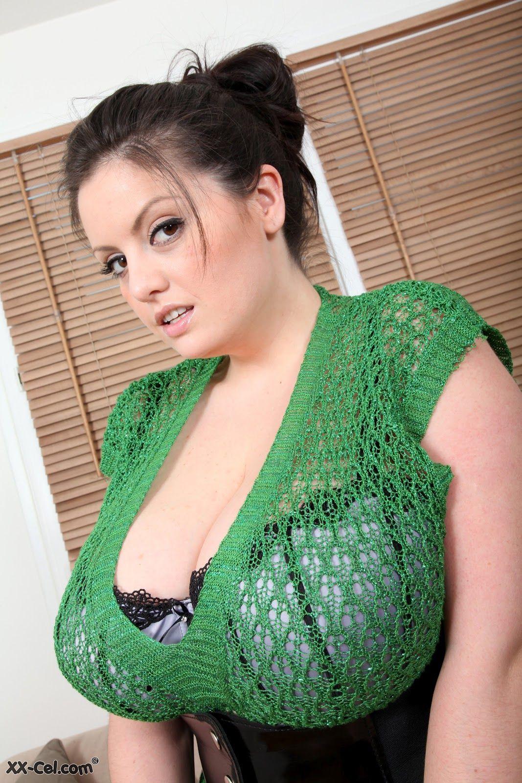 Arianna Sinn Nude Photos 57