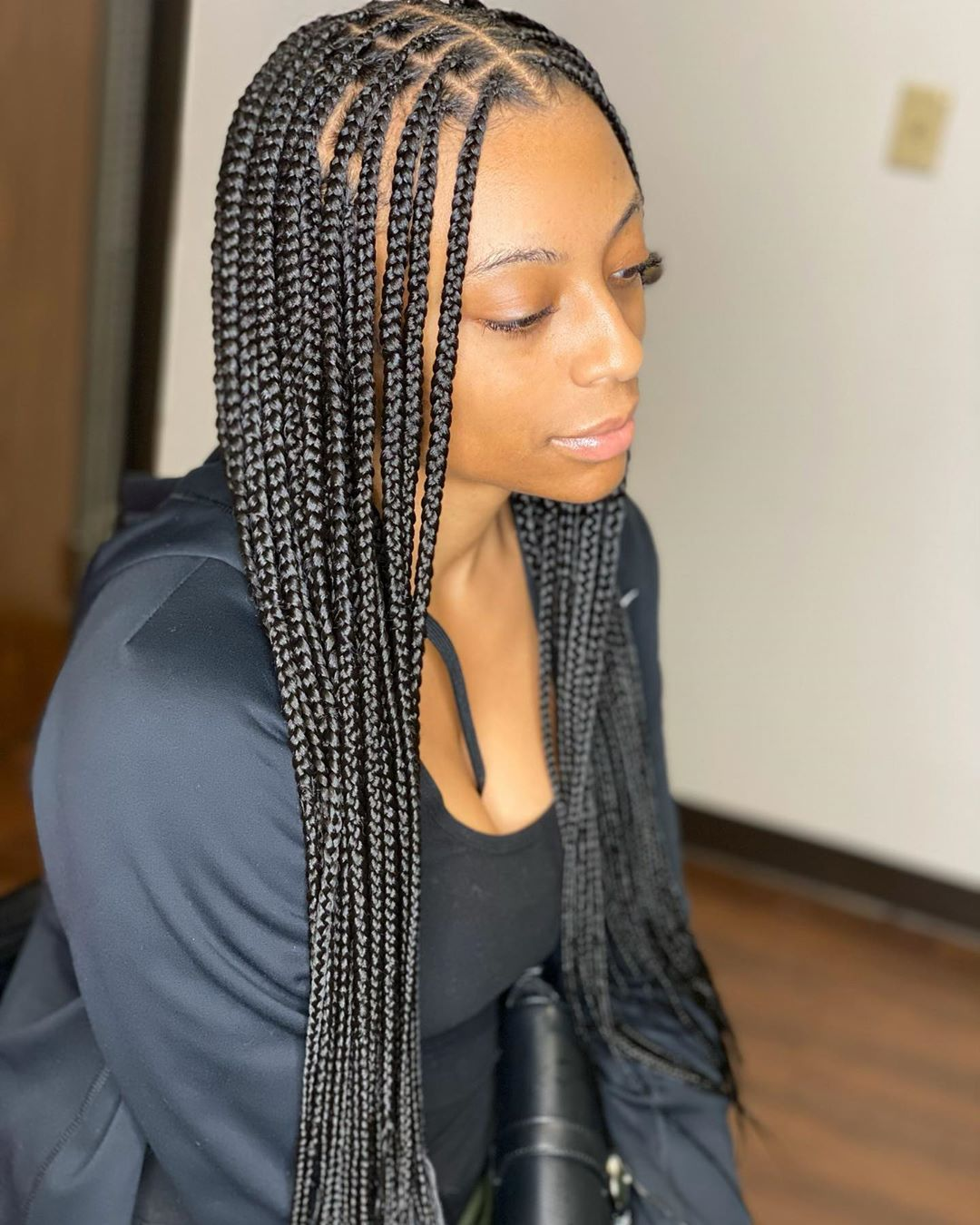 "HOUSTON BRAIDER on Instagram: ""Medium knotless braids waist length 🔴Click the link in my bio ..."