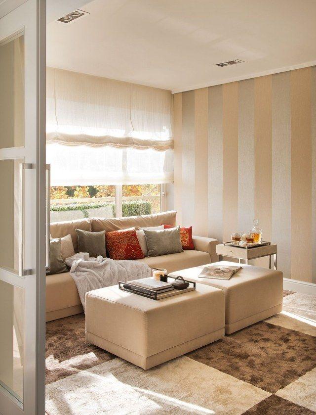 Kleines Wohnzimmer Wandgestaltung Capucchino Silber Streifen