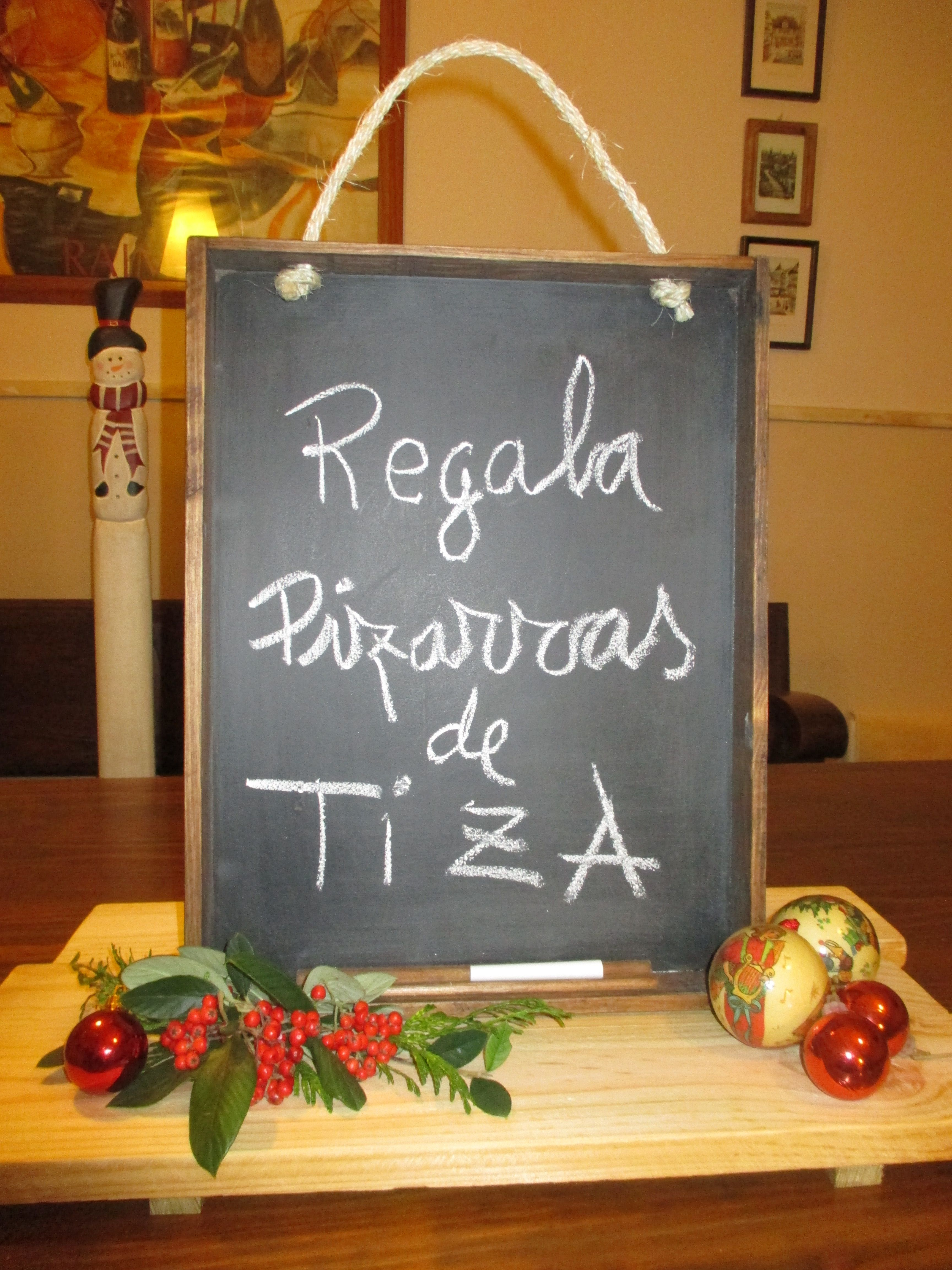 PIZARRA PARA COCINA EN MADERA, MARCO PROFUNDO Pizarra madera oscura ...