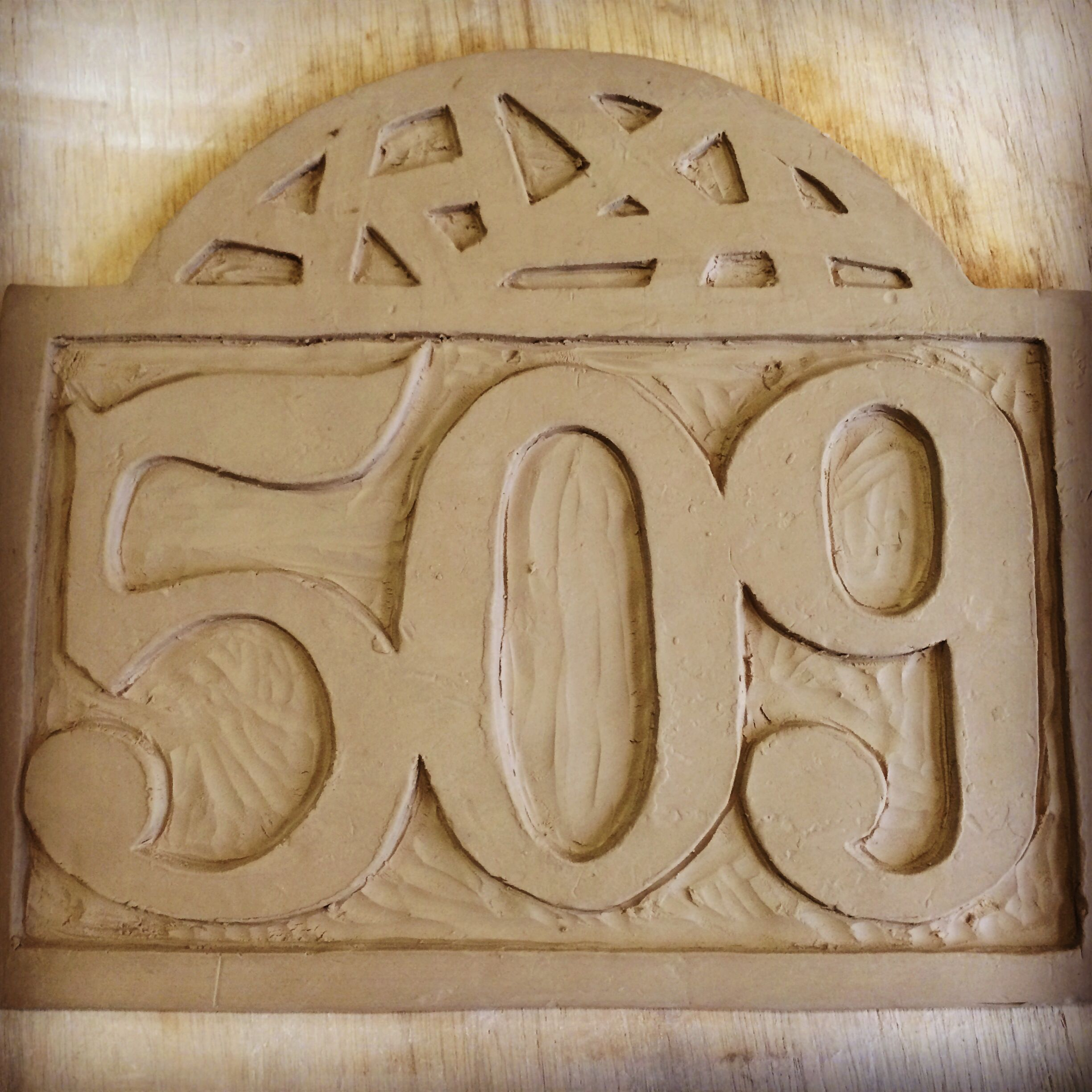Handmade ceramic house number plaque 509 pottery tutorials handmade ceramic house number plaque 509 dailygadgetfo Gallery