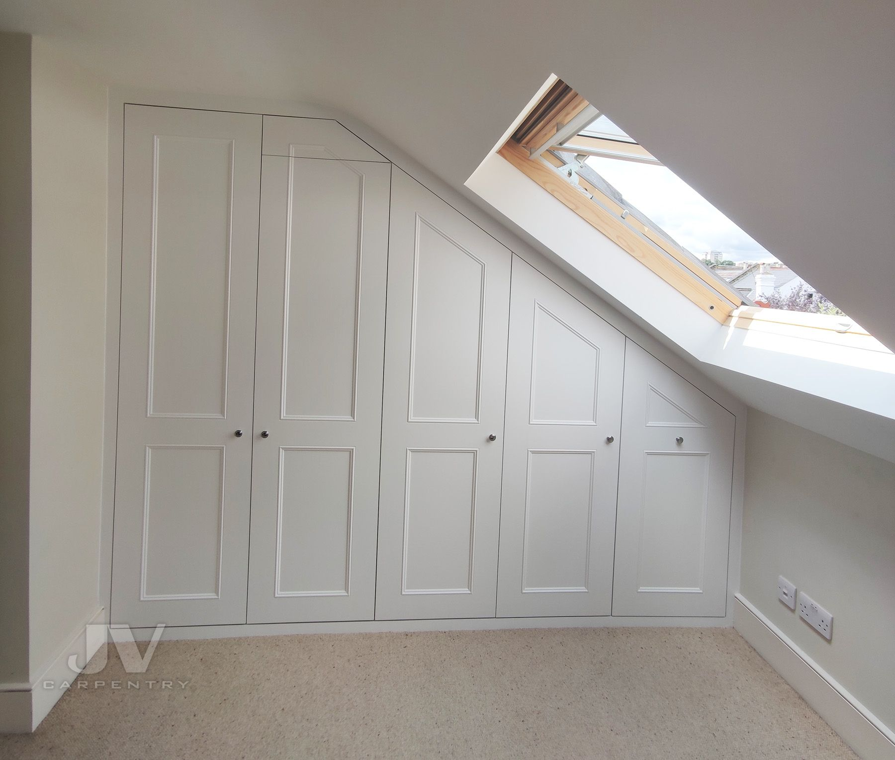 15 Fitted Wardrobes Ideas for Loft Conversion