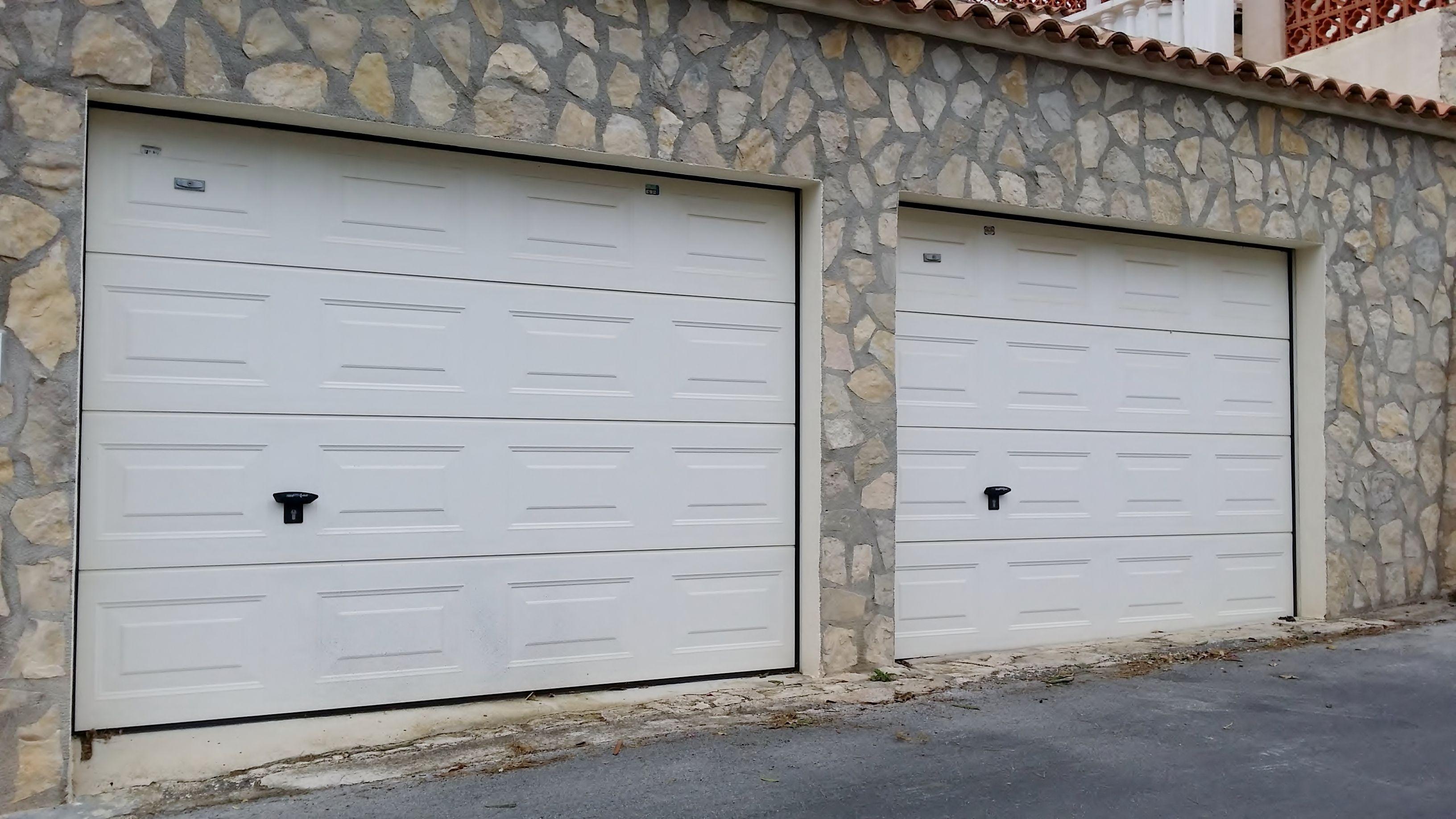 Puertas de garaje seccionales blancas Novoferm | casa | Pinterest