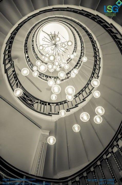 Cuando tenemos lámparas para la escalera debemos tomar en cuenta que - lamparas para escaleras
