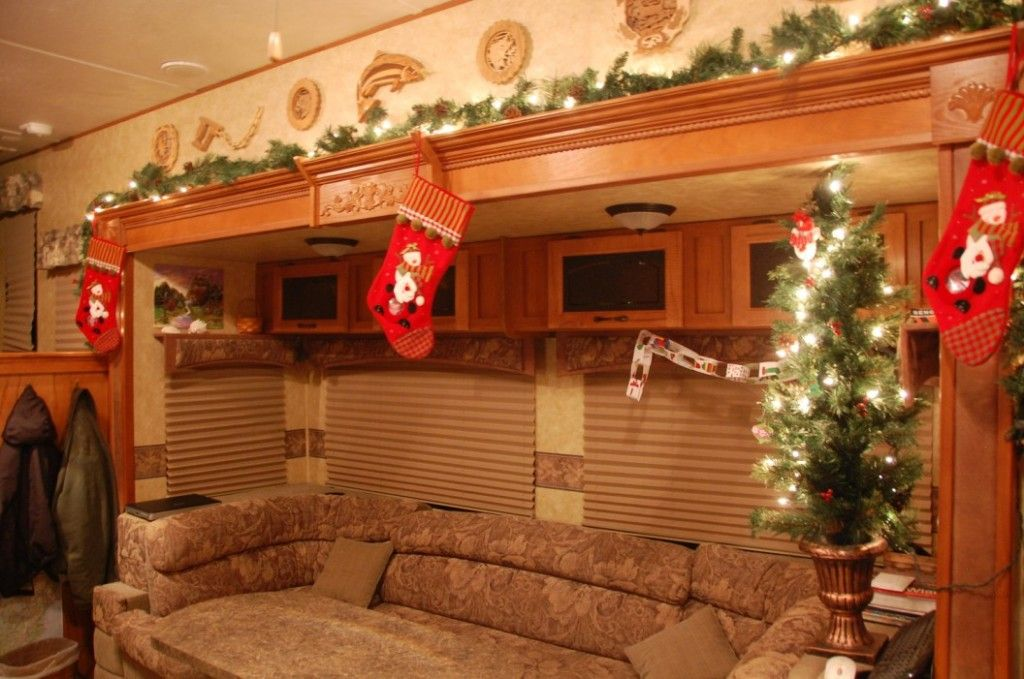 Interior Christmas Decorating In Your Rv Daniel And I Already Talked About This He Said Will Miss Having A Tree