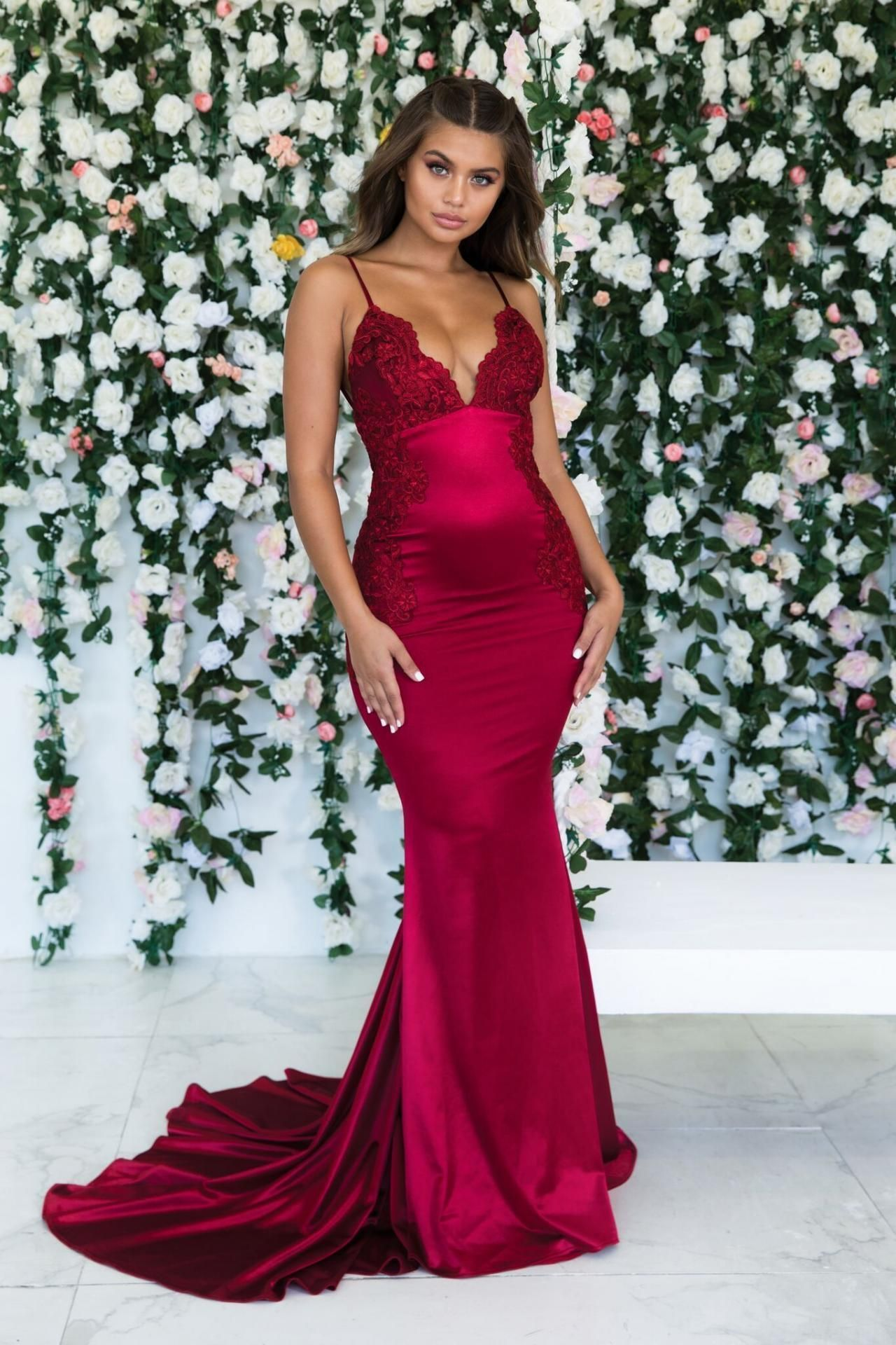 Gorgeous spaghetti straps red prom dress backless evening gown in