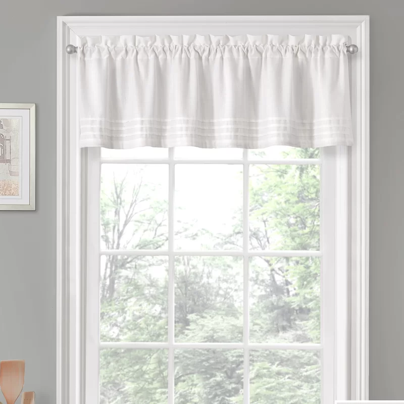 Pin By Carey Evans On Cheryl Living Room White Valance Valance Home