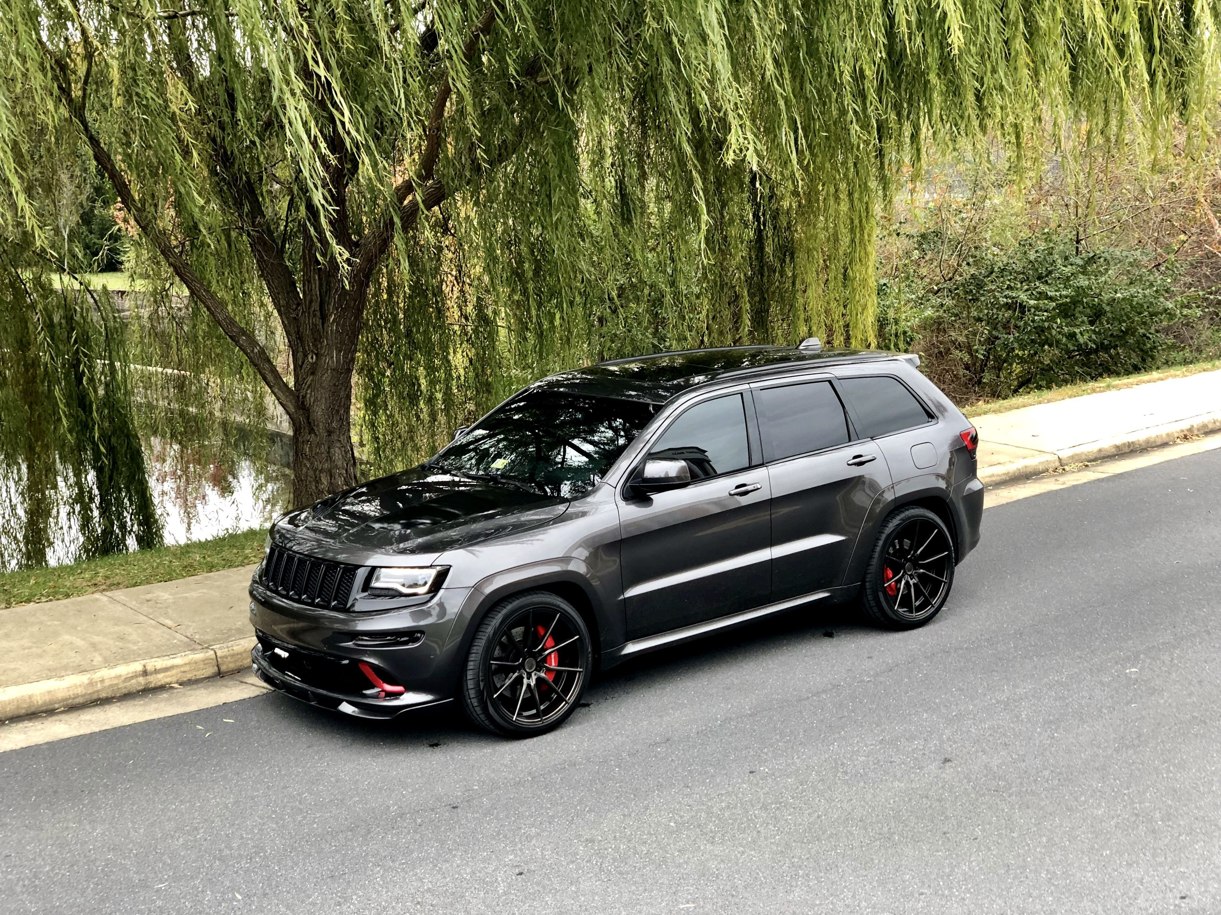Pin By Jn On Cars Cars Carss In 2020 Jeep Srt8 Jeep Grand Cherokee Srt Suv Cars
