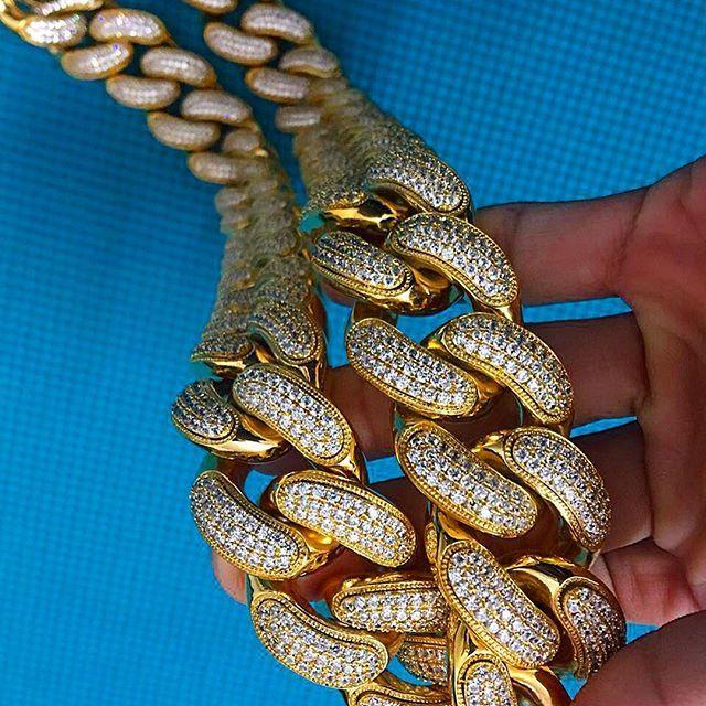 Diamond Cuban Link Chain 30mm 30 Inches 3 Row Thousand Of Vvs Lab Diamonds Micro Pave Set Triple Coated Pvd 18k Gold No F Lab Diamonds Cuban Link Chain Chain