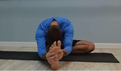 7 yoga poses for runners and cyclists 2 janu sirsasana