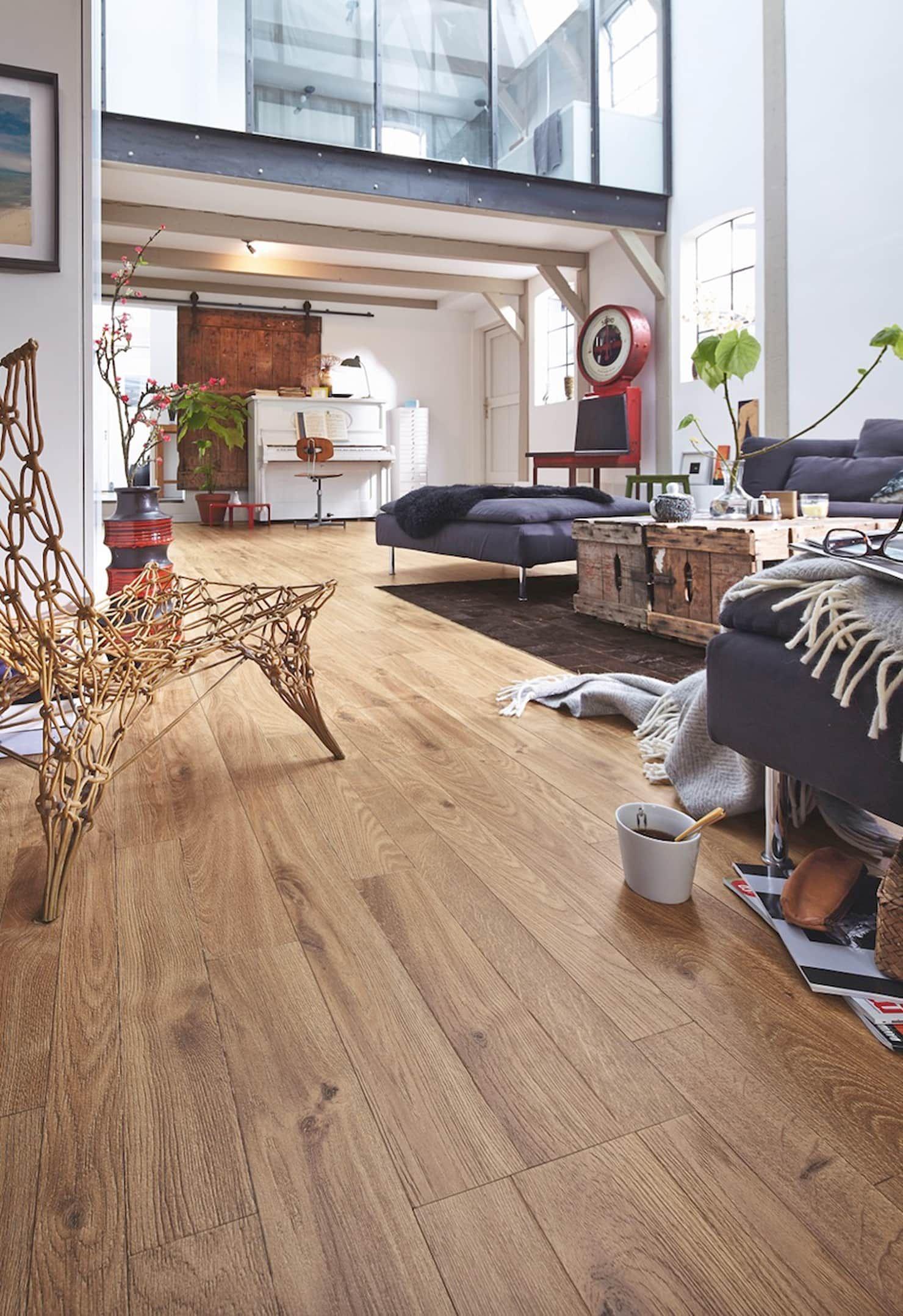 Laminat Melango Ausgefallene Wohnzimmer Von Homify Ausgefallen Holz Kunststoff Verbund Homify Wohnzimmer Boden Design Fussboden Haus Boden