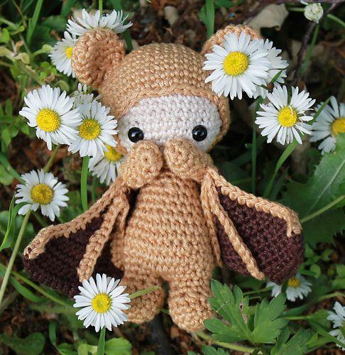 Eine Mini-Fledermaus angelehnt an die beliebten Lalylala's von Lydia Tresselt