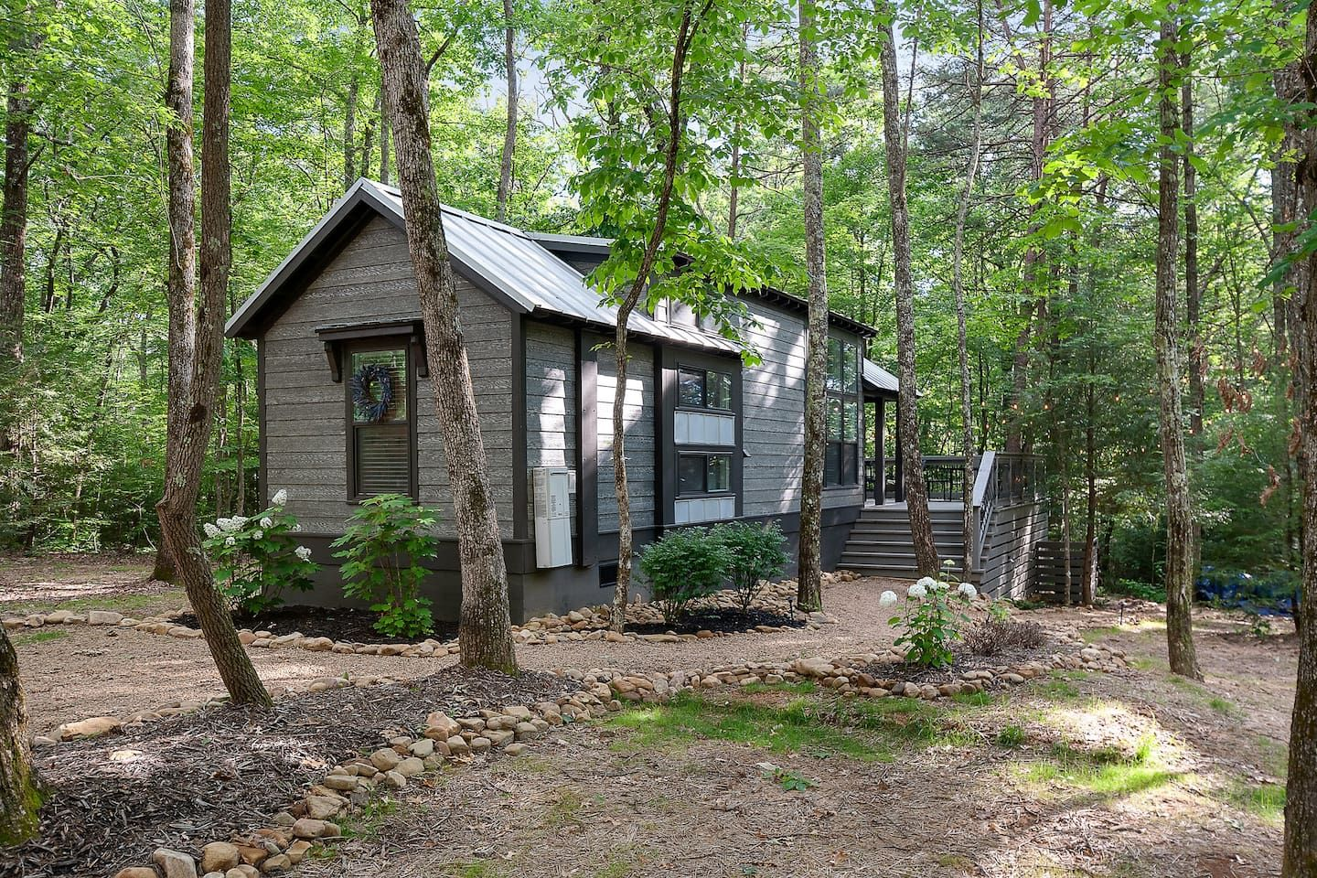 Everly House A Tn Mountain Retreat Tiny Houses For Rent In Monteagle Tennessee United States Tiny Houses For Rent Mountain Retreat Tiny House