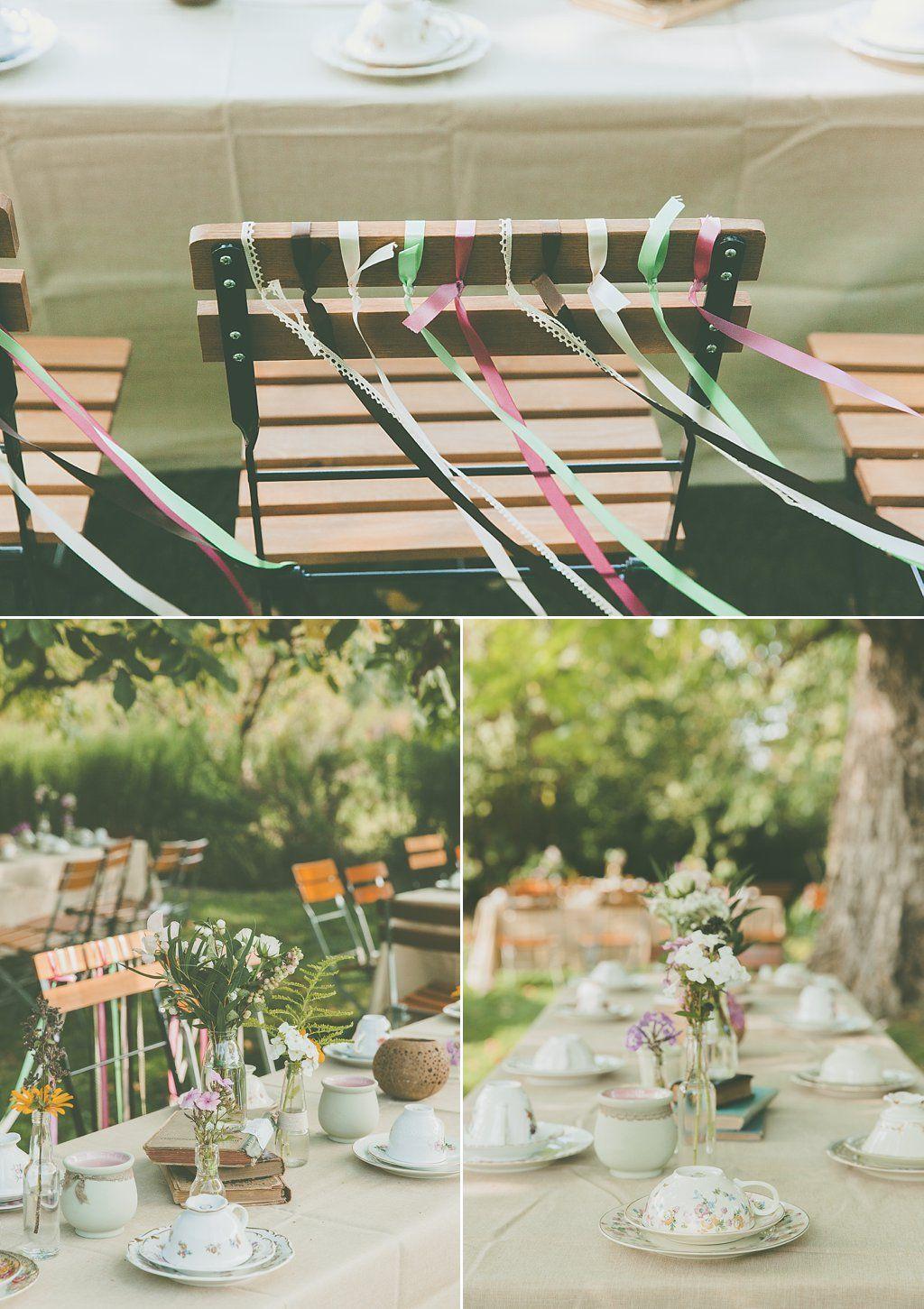 eine alte scheune mitten im gr nen ein traumhafter garten mit wiesenblumen und schattigen. Black Bedroom Furniture Sets. Home Design Ideas