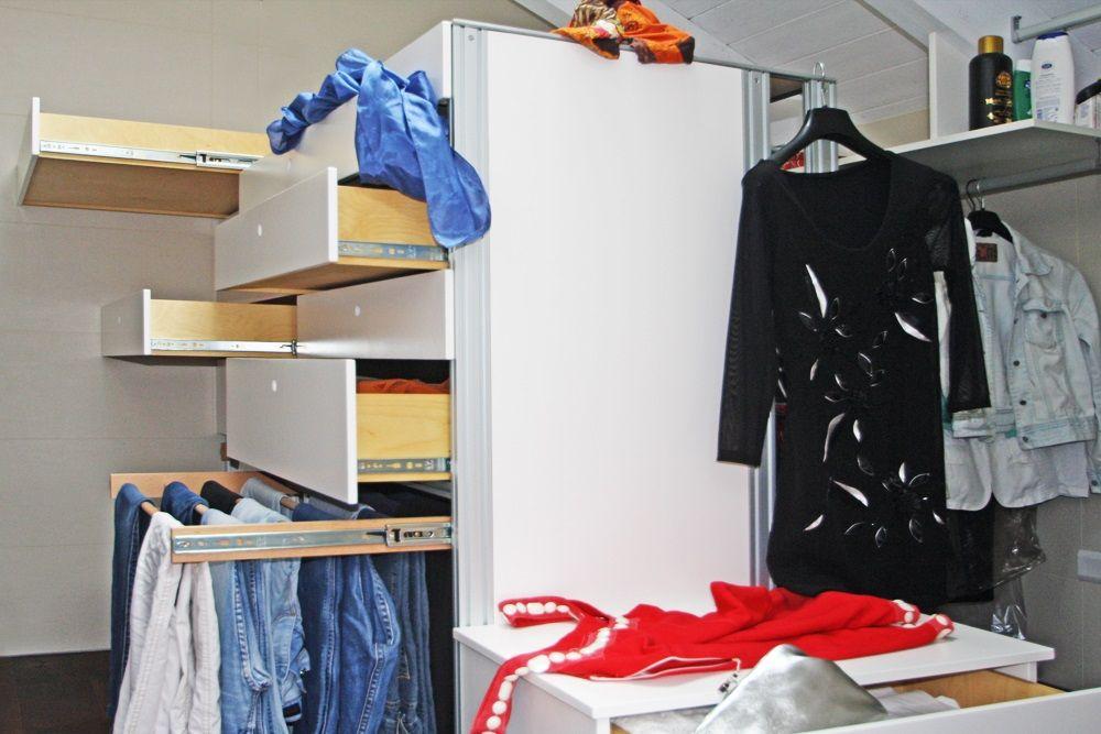 Porta Pantaloni Cabina Armadio : Isola multifunzioni per cabina armadio contiene cassettiera