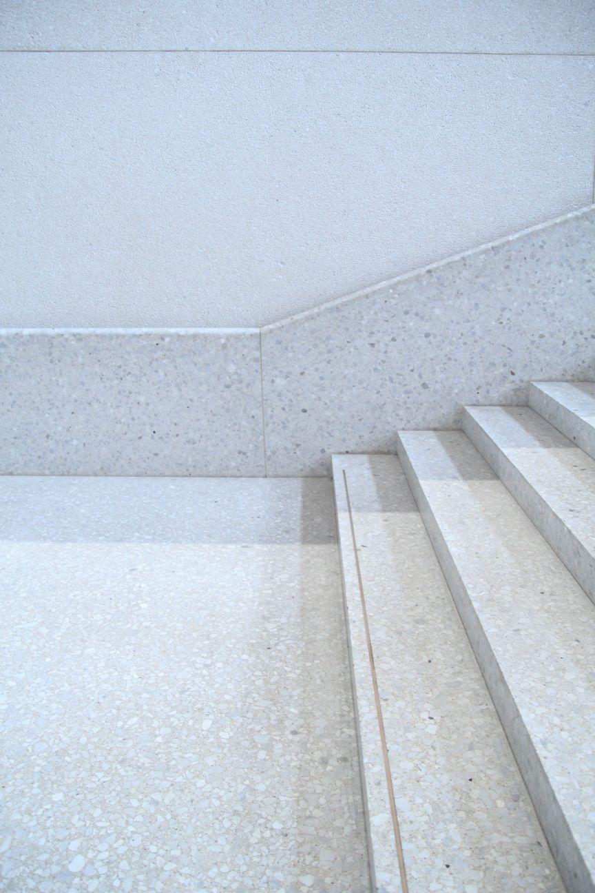 лестница полированный бетон