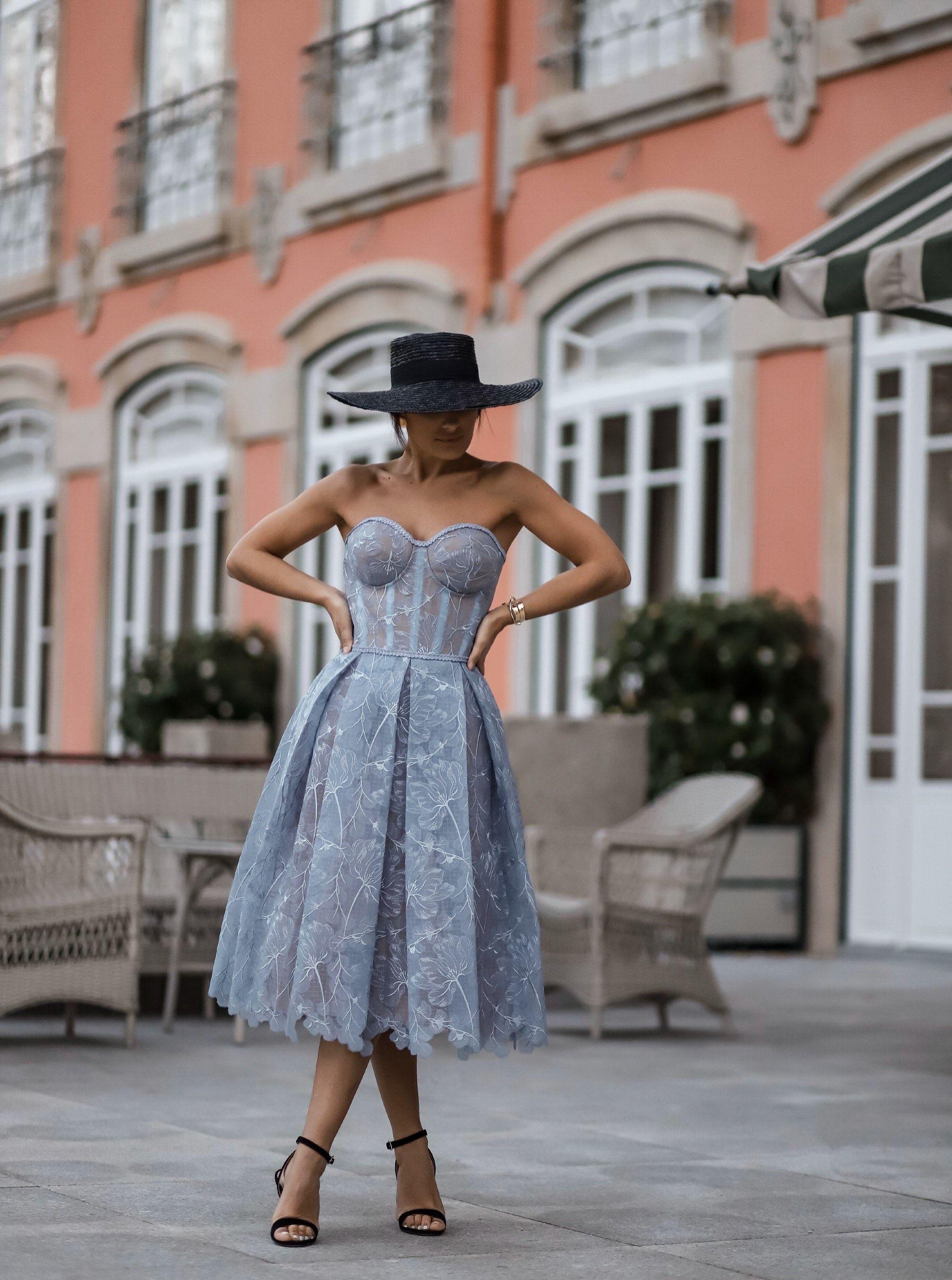 OLIVIA BLUE  Structured Midi Dress NADINE MERABI   Glamour dress ...