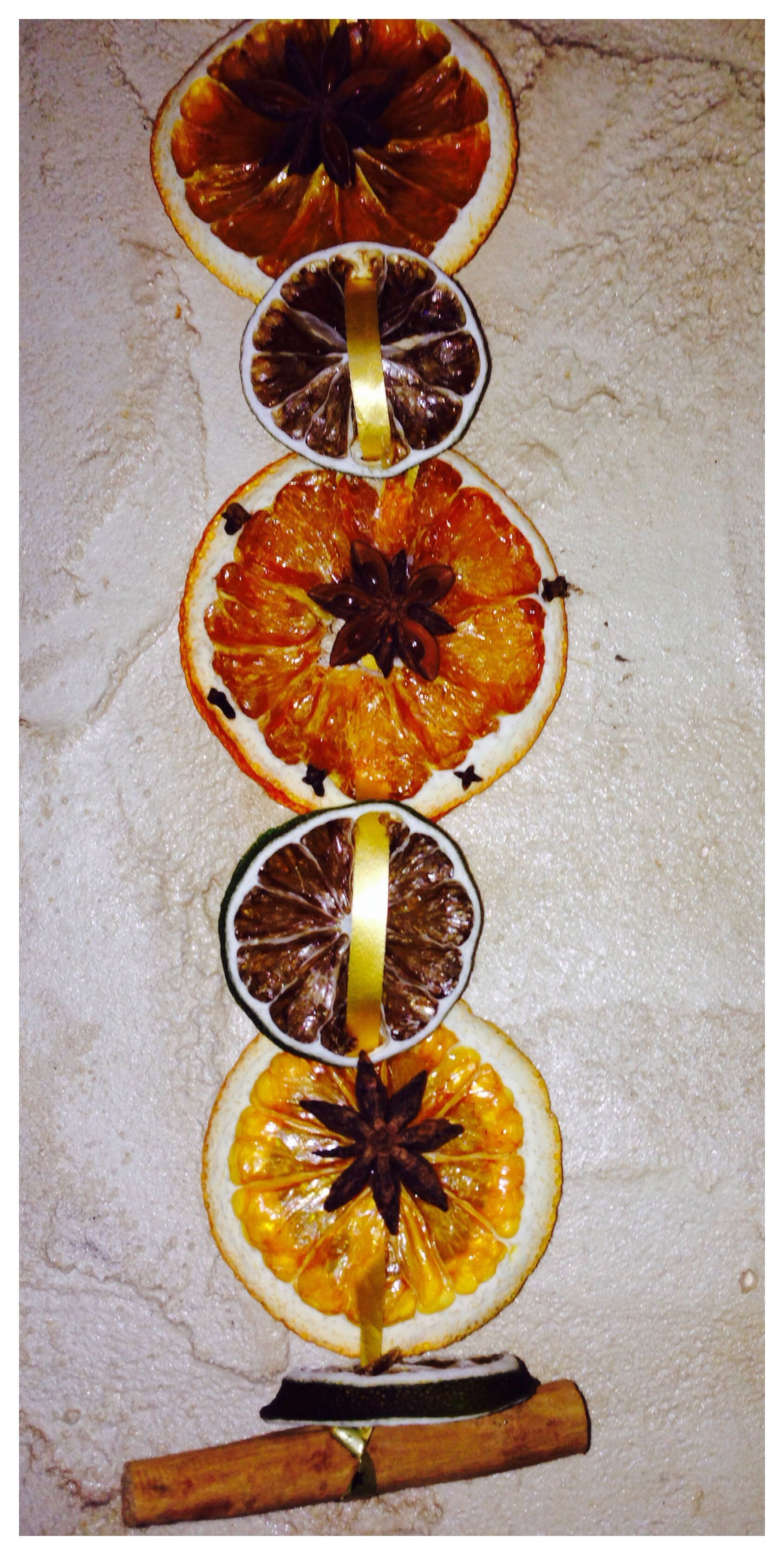Dried oranges with star anise - homemade Christmas ...