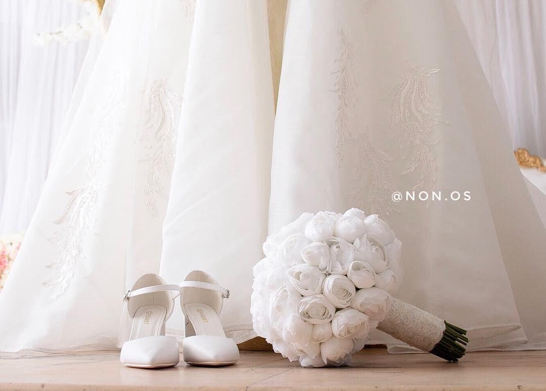 Weddingdress Bride Art مصورات الشرقية تفاصيل تصويري عروس تصميمي الدمام ال Wedding Photo Pictures Wedding Details Photography Wedding Ring Photography