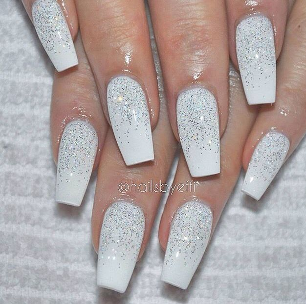 white sparkly acrylics nails