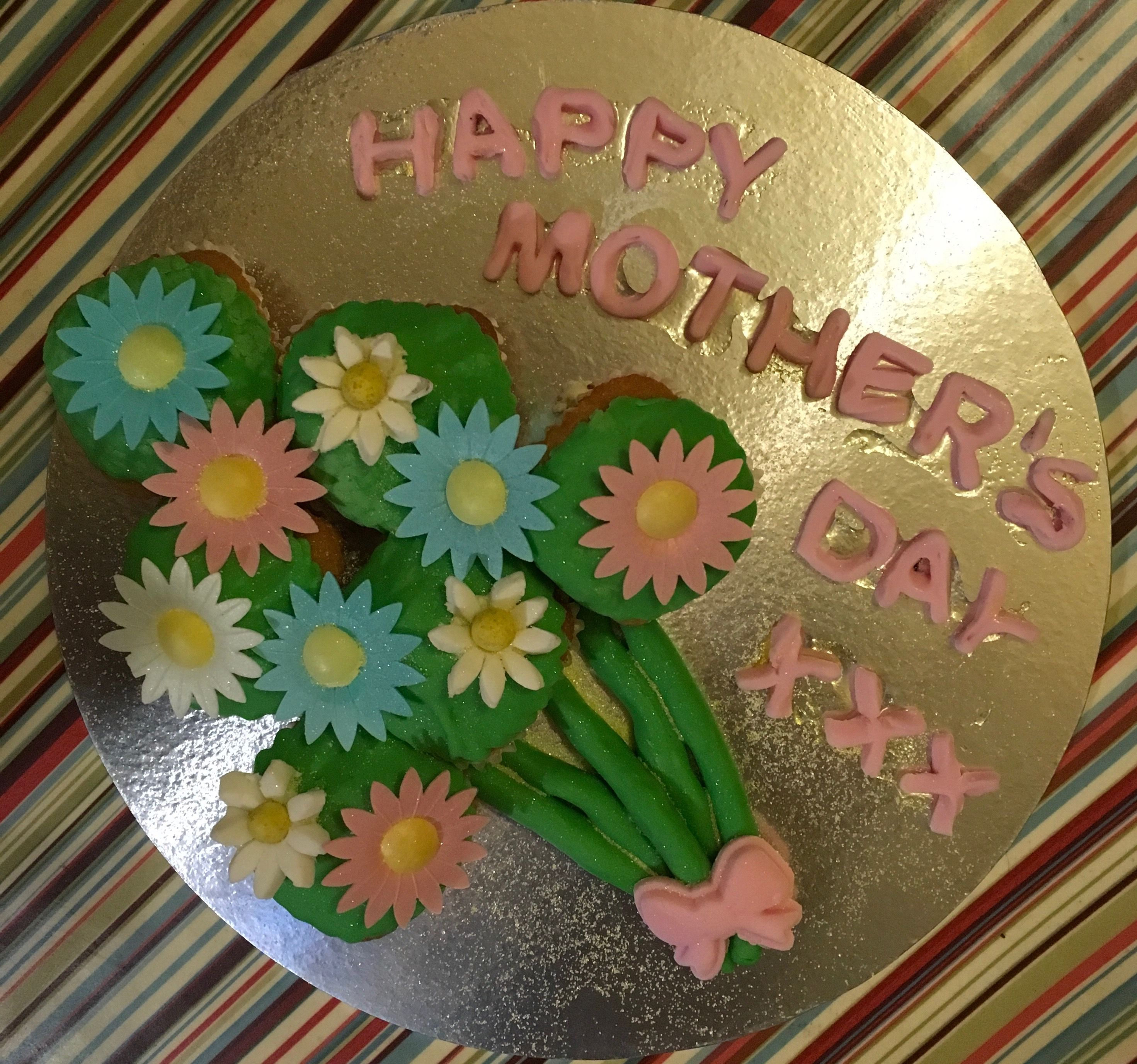 Cute edible flower bouquet for Mother\'s Day   Gillian\'s Kitchen ...
