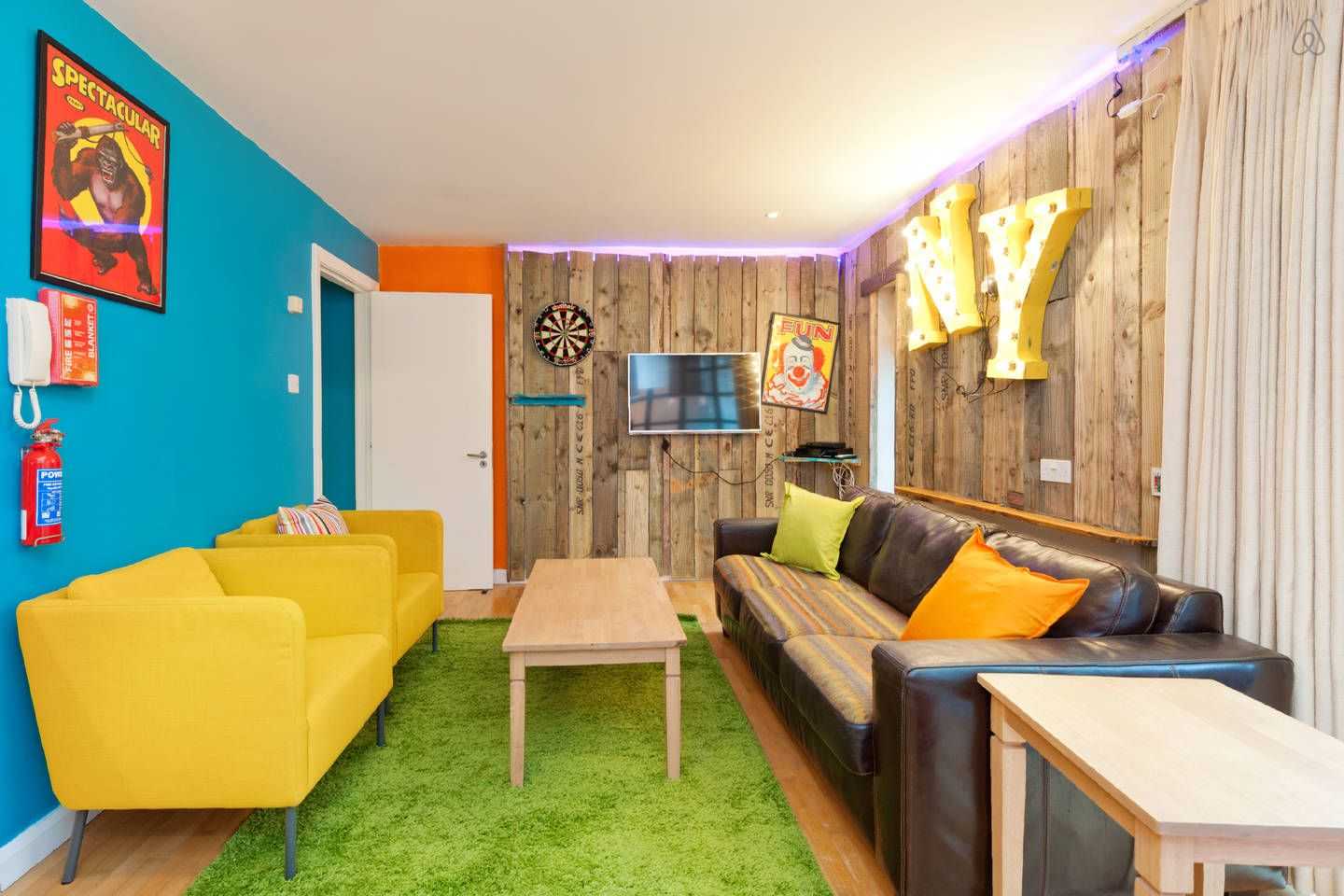 AirBNB // Otto's Place in Temple Bar (156/night) Home