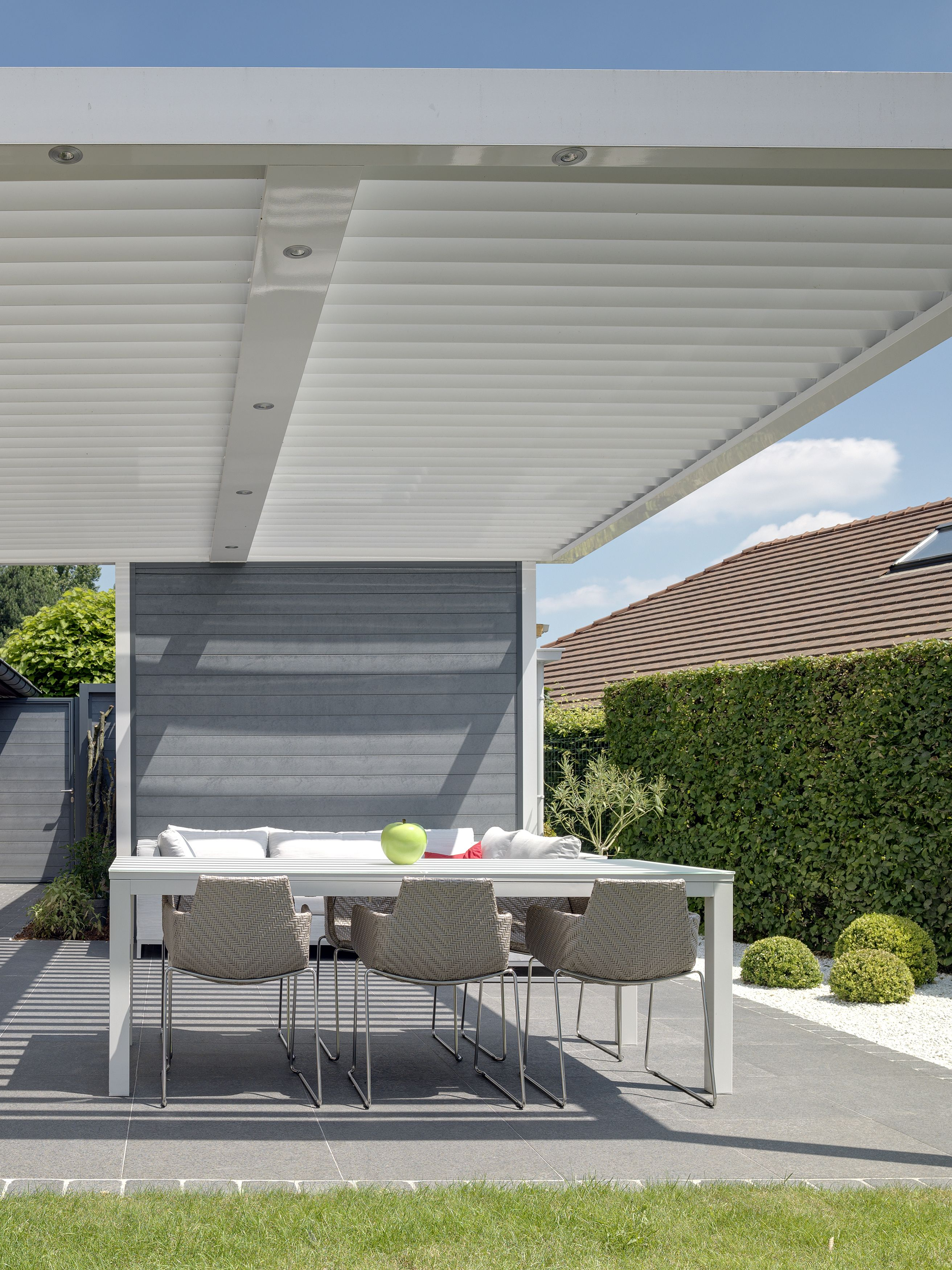 The Umbris patio roofing system is a bespoke ... on Bespoke Outdoor Living id=46603