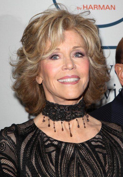 30 Best Jane Fonda Hairstyles Jane Fonda Hairstyles Hair Styles Medium Hair Styles