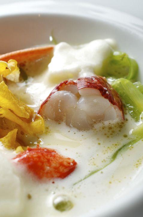 Detalle borrajas con bogavante. Bal D'Onsera Restaurante con estrella michelin en Zaragoza.