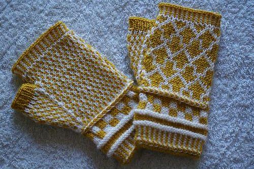 Ravelry: Arrow Fingerless Mitts pattern by Hiromi Sakurai fingering ...