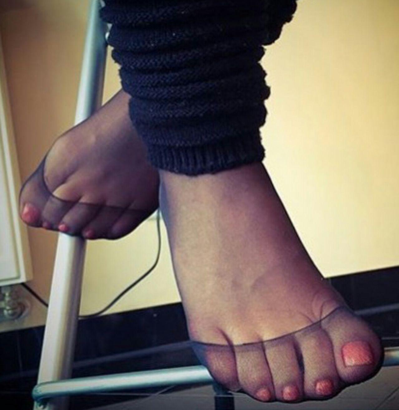 desi aunty nude feet