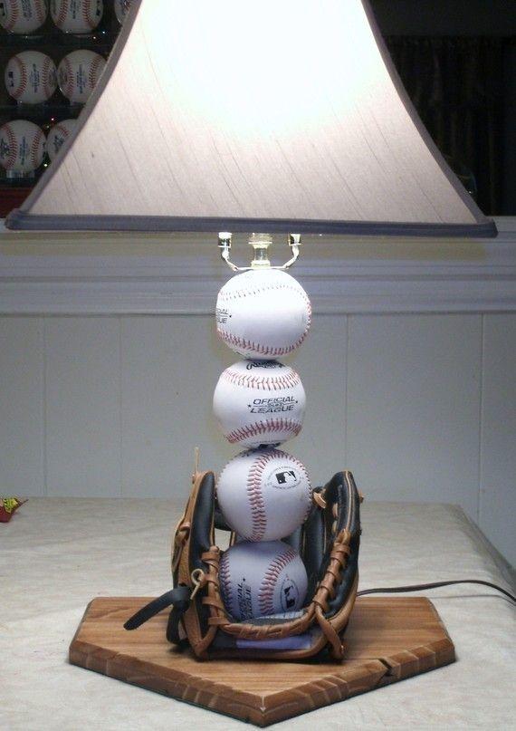 Baseball Table Lamp By Midwestclassiccrafts On Etsy Recamaras Decoradas Objetos De Iluminacion
