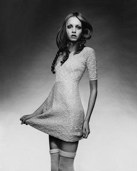 """Among Twiggy's assets, wrote Vogue, are """"a Cockney accent, a lack of sophistication and of conceit, a limited vocabulary, and a very sweet nature."""""""