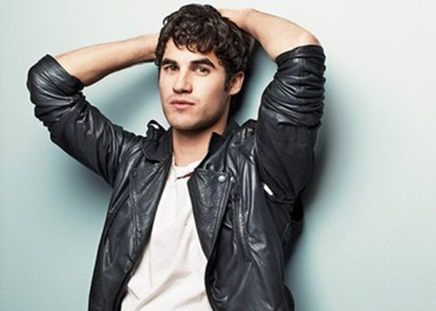 """Glee's Darren Criss who plays Blaine Anderson has been given the title of """"Cosmo Guy"""". Darren interview with Cosmopolitan Magazine will be featured in their October Issue. ENews has given us a little bit of Darren's interview has he talks about the loss of Cory Monteith and an very unusual fan encounter."""