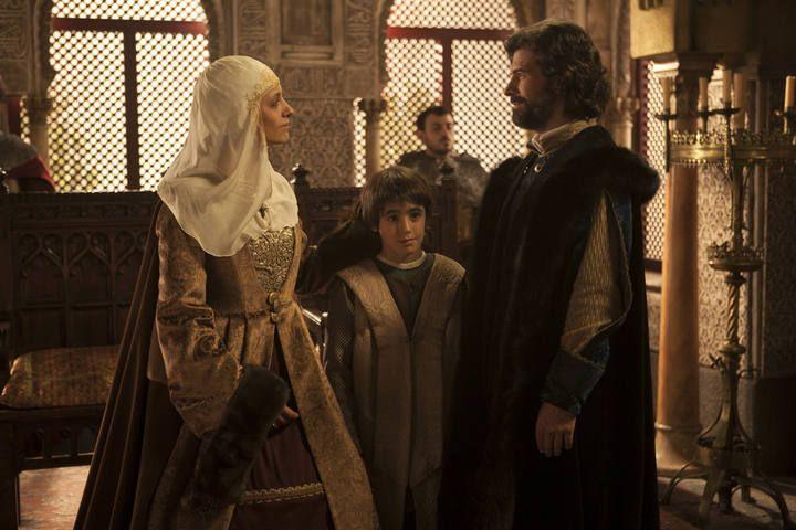 Isabel de Castilla y Fernando de Aragón, junto a su hijo Juan de Aragón y Castilla.