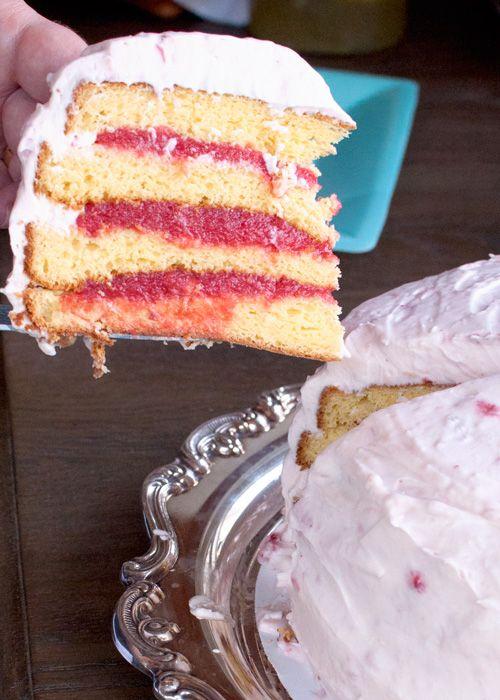 crave bake joy | strawberry lemonade cake | http://www.cravebakejoy.com