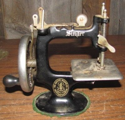 Antique Vintage Small Singer Manual Sewing Machine Sewing Cool Singer Manual Sewing Machine