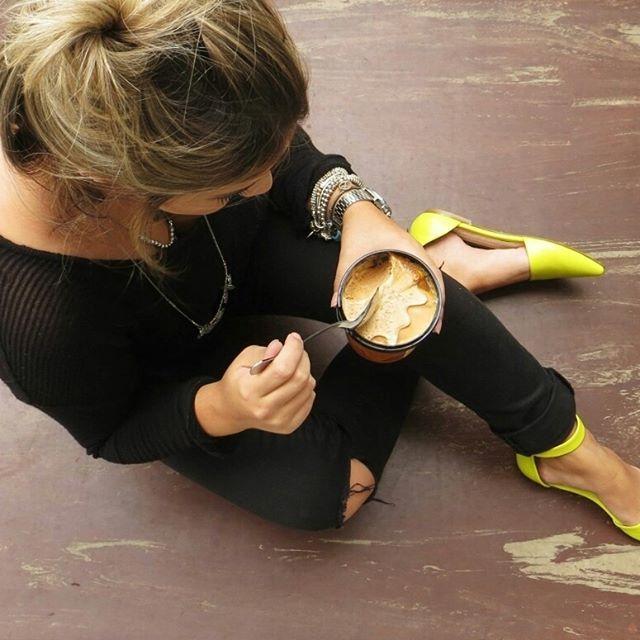 Pequenos prazeres❤️ Disponível na loja física e virtual - www.lojagiolli.com.br e use o cupom 50%OFF  #GiolliHits #fashion #trends #LoucasPorSapatos #look #Ellus #EspaçoEllus #oportunidade #MiniPrecinho #LojaGiolli #pump #LuizaBarcelos #shooting #LoSpaghetto #IceCream #Diletto #Love #yummi
