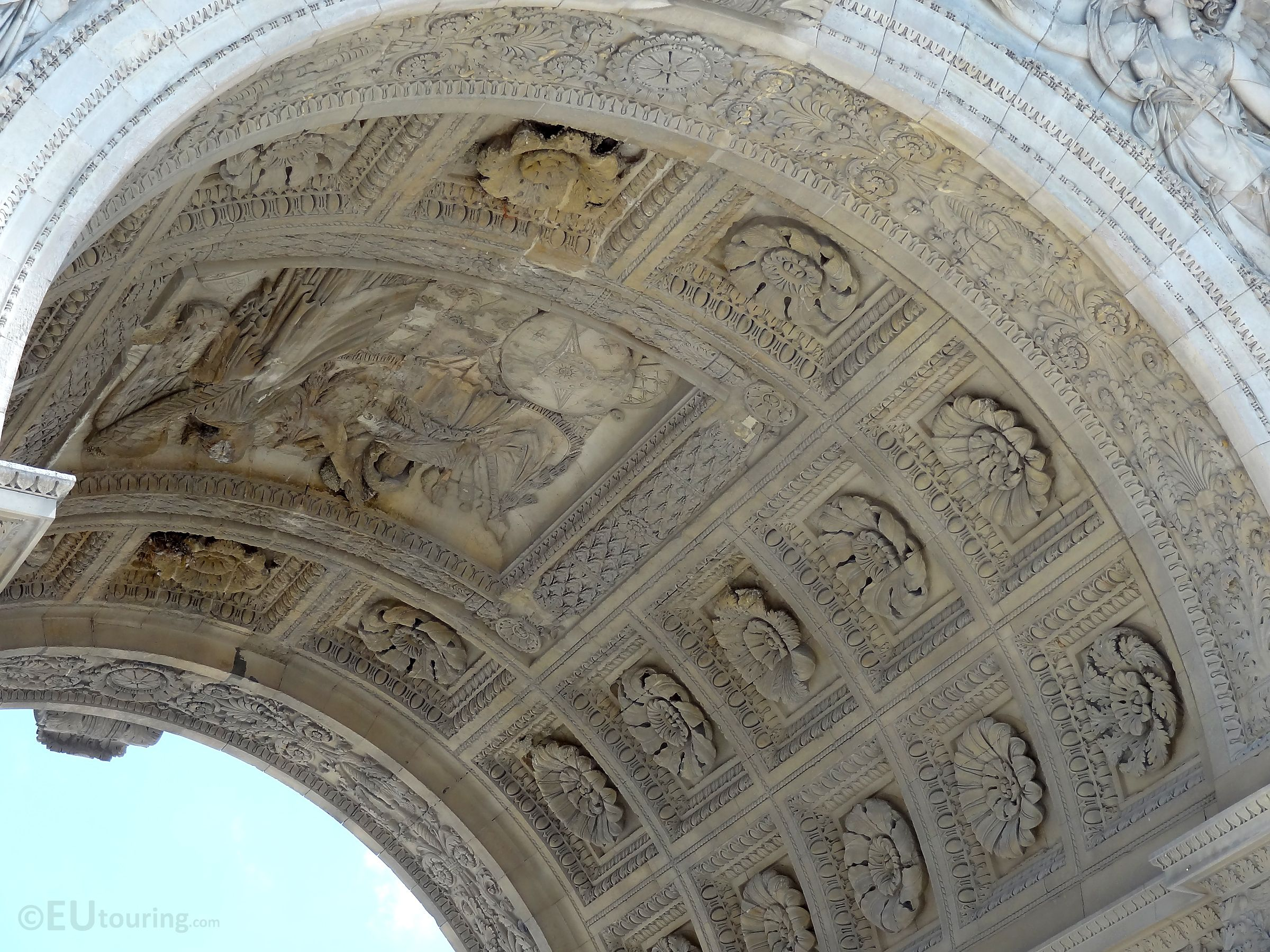 A Close Up Of The Arc De Triomphe Du Carrousel With Its Detailed