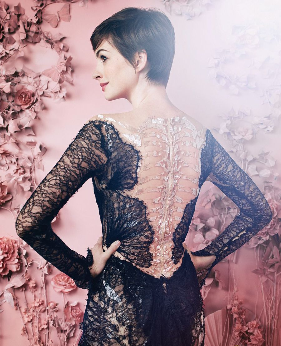 Anne Hathaway with short hair in black lace Marchesa - Oscar Roundtable Hollywood Reporter, November 19th, 2012