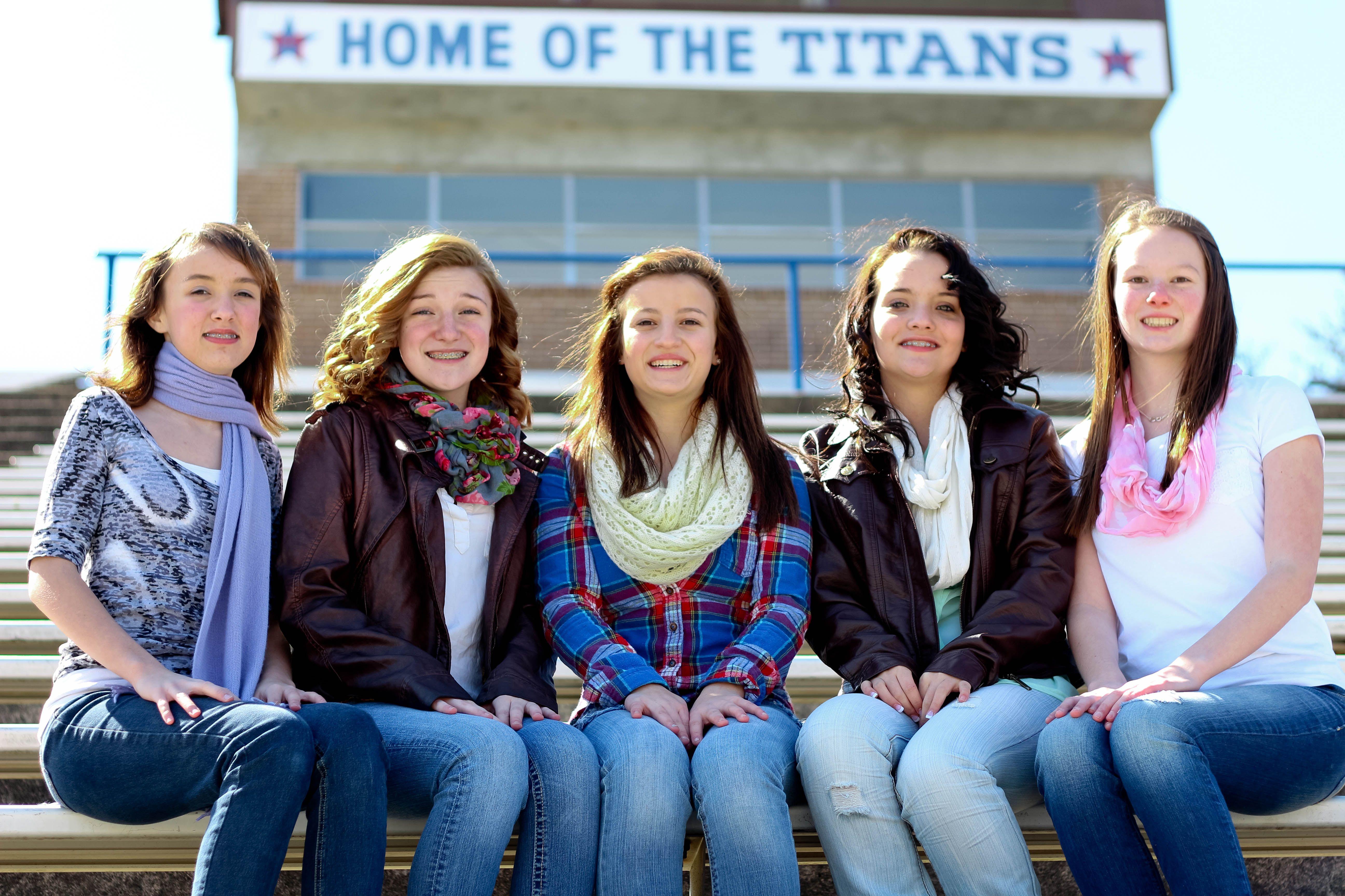 teen girls best friends cheerleaders