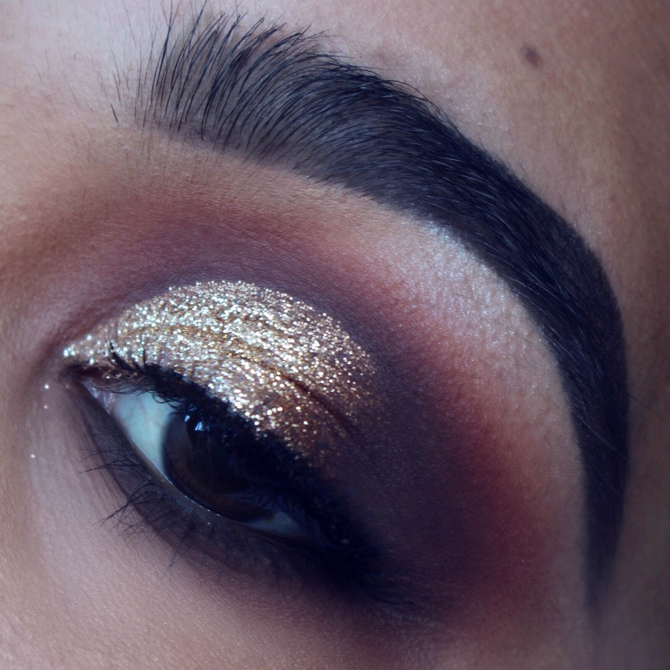 TUTORIAL: Glam Holiday Makeup with Too Faced STARDUST