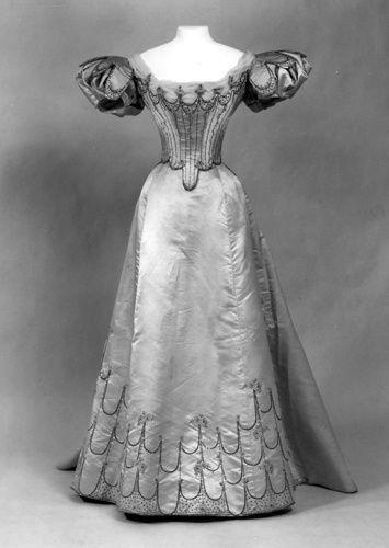 wedding dress of princess alexandra of saxecoburg and
