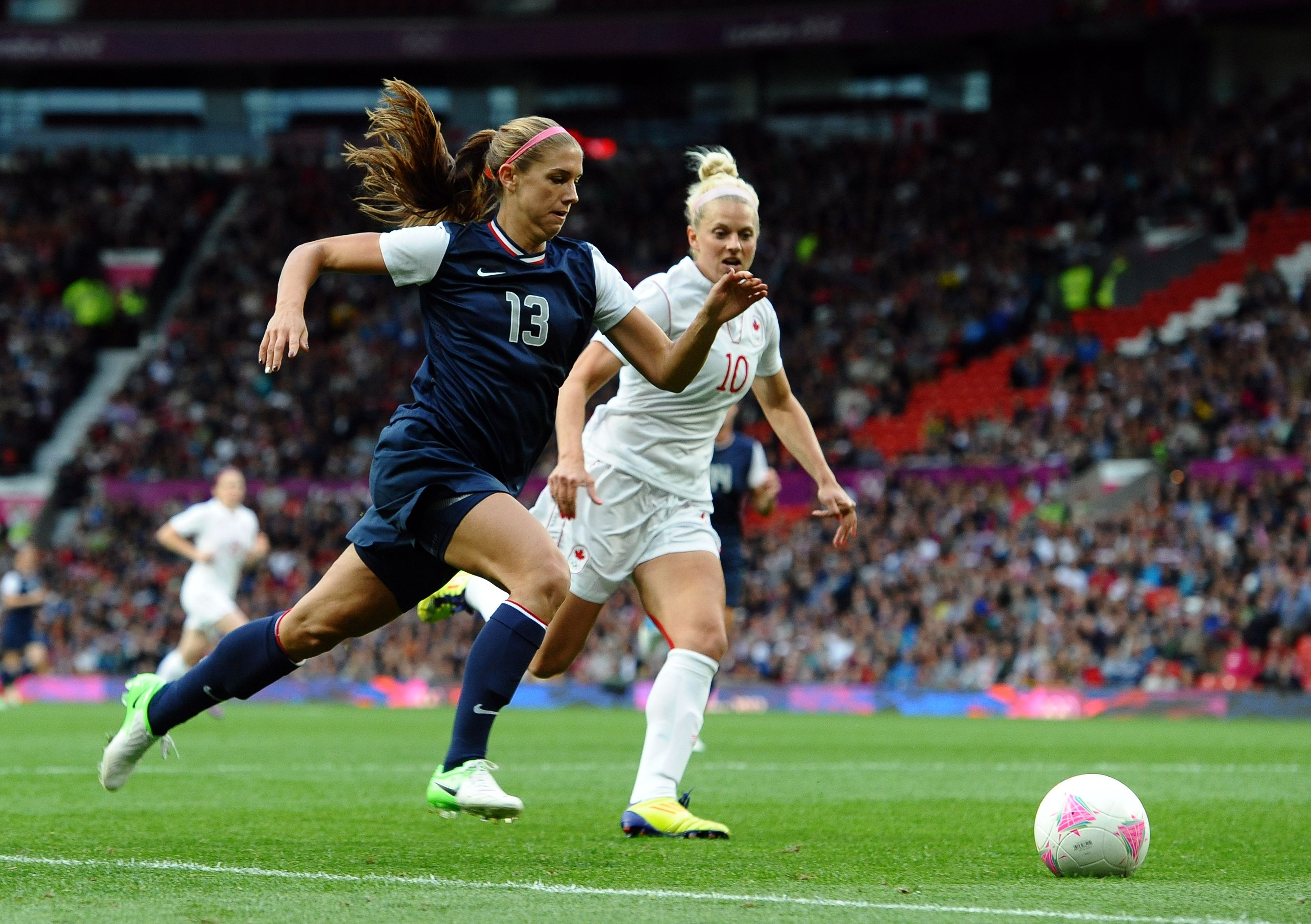 Cal S Morgan Tips Us Women Over Canada In Olympic Soccer Semifinal Soccer Intense Workout Womens Soccer