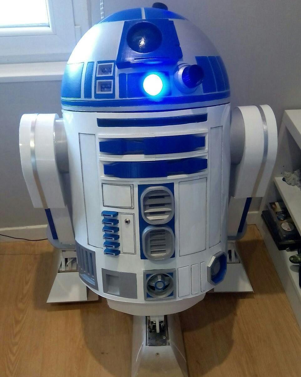 Something we liked from Instagram! Tomorrow I end R2D2 #StarWars #r2d2 #lifesize #r2builders #Astromech #astromechspain #c3po #bb8 #lucasfilm #disney #otaku #cosplay #anime #cinema #fans #jedi #robot #droid #3dprinter #laptop #arduino #videogame #game #gaming #gamer #maker #geek by esp_robotics check us out: http://bit.ly/1KyLetq