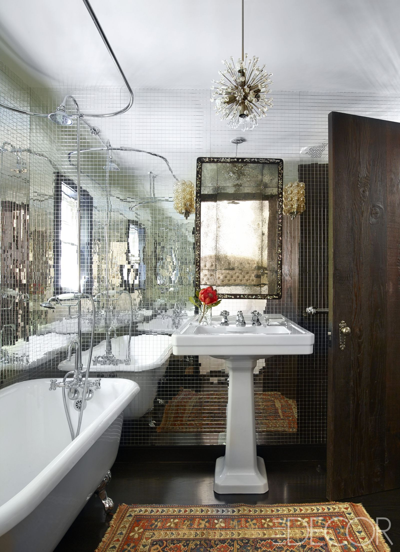 House Tour A Tv Producer S 1920s Spanish Style Home Gets A Complete Makeover Bathroom Design Luxury Bathroom Mirror Design Beautiful Bathrooms