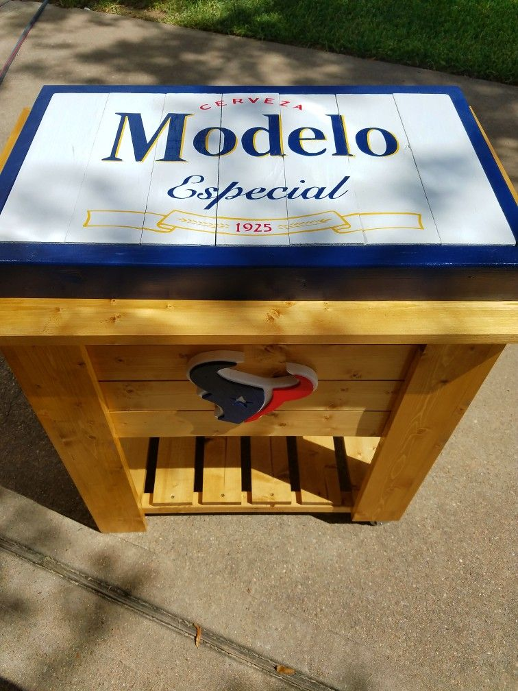 Pin By Mperz Perez On Custom Wooden Coolers Wooden Cooler Wooden Decor